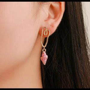 Pink Golden Beach Conch Shell Earrings